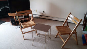folding wooden chairs and coffee table