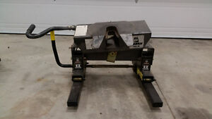 16 k Husky EZ roller 5th wheel hitch w/ slider