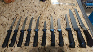 SERRATED KNIFE SET 11 PCS WITH KNIFE BLOCK