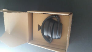 SENNHEISER 4.5 Special Edition Bluetooth Headset (Like New)