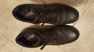 Safety Shoes with Steel Toes Black Size 14W Near New