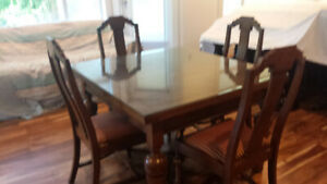 British Antique Dining Table and 6 Chairs