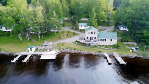 Team Krishan presents Stunning Home/Cottage on Mazinaw Lake