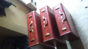 1953 samsonite 4932.  3 piece set