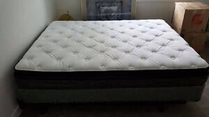New Sealy Optimum Queen Size Matress and Boxspring