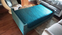 Antique Daybed/twin bed