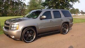 "2007 Chevrolet Tahoe lt 26"" rims"