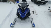 YAMAHA APEX IN EXCELLENT CONDITION