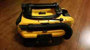 Dewalt Cordless/Corded Vacuum + battery and charger
