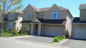 2600 SF 4 Bed / 3.5 Bth Single House in Barrhaven 613-614-7964