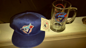 TORONTO BLUE JAY'S 1992 CHAMPS GLASS MUG & NWT INFANTS HAT