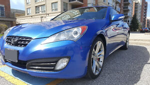 2010 Hyundai Genesis Coupe 3.8 GT Coupe with NAV LOW MILEAGE