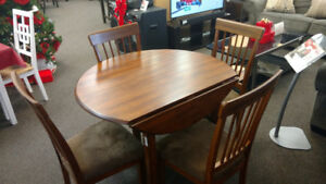 Ashley Berringer 5PC Dinette