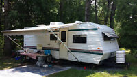 Sunline 25 foot trailer with bunks