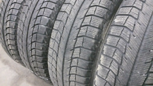 4x Michelin x-ice 2 WINTER 215/60 R16 Delivery available  7.5/10
