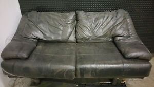 SOFA EN CUIR/ LEATHER SOFA