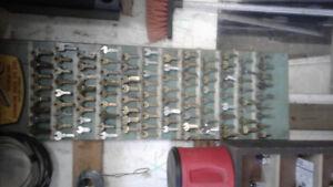 2 machine à faire des clefs + 1000 clefs vierges. Prix 600.00