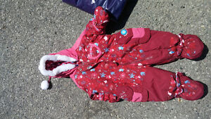 NEED GONE!!! Snow suit and gap vest London Ontario image 2