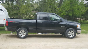 SAFETIED!! LOW KILOMETERS 2008 Dodge Ram SLT Pickup Truck