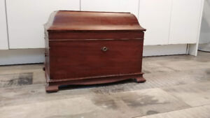 Vintage Victrola Record Player Cabinet