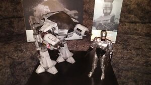 Hot Toys 1/6 Robocop and ED-209 figures MINT IN BOX!!!!!!