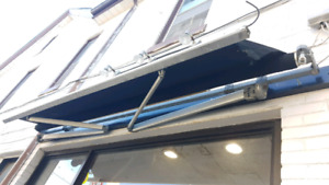 Awning - Manual Retractable - Must Go** OBO