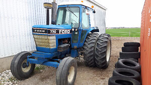 Ford 7700 tractor London Ontario image 1