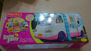 fisher price loving family beach vacation mobile home, W0429