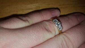Bague en Or 14 carat Avec Diamant - Évaluer a 2425$$