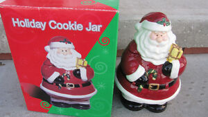 CHRISTMAS COOKIE JAR - NEW