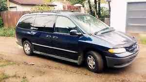 2000 Dodge Grand Caravan 272k V6 3ltr.