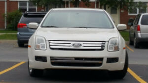 2009 Ford fusion SE, 4 cylinders, sunroof