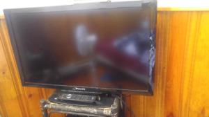 32 inch Phillips  smart tv - 130$ - SOLD