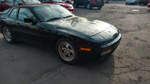 1986 Porsche 944 Turbo Coupe.