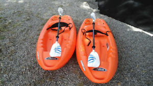2 Adult  Kayaks for sale  Brand new sit on 8 feet with Paddles