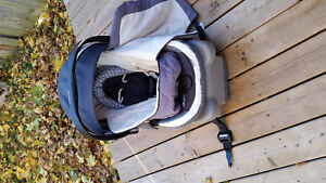 Onboard 35 Infant Car Seat and base Cambridge Kitchener Area image 1
