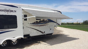 Luxury Couples Bighorn 5th wheel by Heartland 3410RE