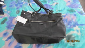 BRAND NEW BLACK LEATHER COACH TOTE London Ontario image 1