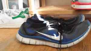 Size 13 Nike free flynits need gone 80$obo