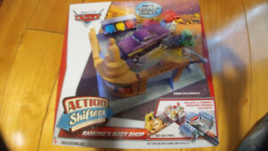 Disney Cars Action Shifters Ramone's Body Shop Playset
