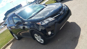 Rav 4 AWD XLE 2014  One owner