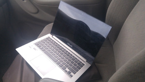 Asus zenbook i7 Intel 8gb ram 256 ghz ssdrive loaded, must see