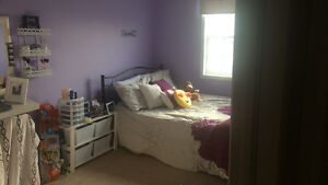 ***ROOM FOR RENT - NEED TENANT BY MAY 1ST****
