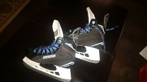 bauer s140  kids hockey skates like new size 2