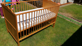 Mamas and Papas Cot Bed almost mint condition very very clean
