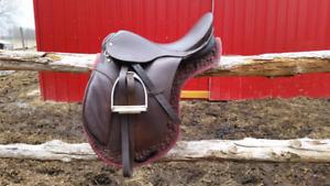 "17"" Imperial derwent saddle by cavalier"