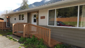FOR RENT - 3 bed 2 bath House in Keremeos (Olalla) - Avail May 1