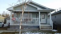 House for sale in Sylvan Lake - $292,000
