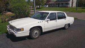 1989 Cadillac Fleetwood Sedan