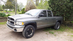 **MINT CONDITION 2006 RAM 1500 4X4 CHEAP READY TO GO BEST OFFER*